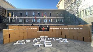 Kahramanmaraş'ta iki kamyondan 3 milyon 150 bin makaron çıktı