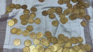 Manisa'da sahte altın satmak isteyen şüpheliler suçüstü yakalandı