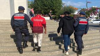 Muğla'da turistlerin çantasını çalan iki şüpheli yakalandı