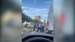 Yol verme tartışmasında sopayla saldırdı