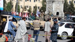 Taliban aracına bombalı saldırı: 1 ölü 2 yaralı