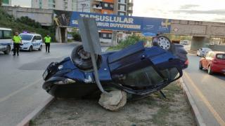 Mersin'de otomobil ile pikabın çarpıştığı kazada 3 kişi yaralandı