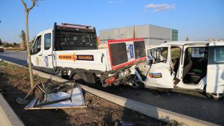 Ankara'da üç aracın karıştığı kazada 10 kişi yaralandı