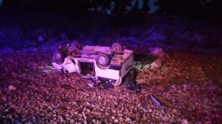 Mersin'de şarampole devrilen minibüsteki 2 kişi yaralandı