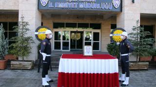 Uşak'ta Covid-19'dan hayatını kaybeden polis memuru için tören düzenlendi