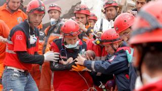 Türkiye, 2011'deki depremde Van için tek yürek oldu