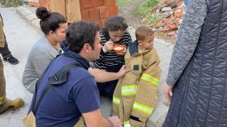 Evde çıkan yangında anne ve çocuğu dumandan etkilendi