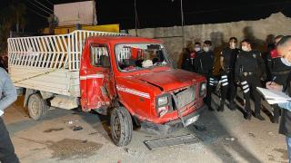 Adana'da kamyonet ile motosiklet çarpıştı: 1 ölü, 1 yaralı