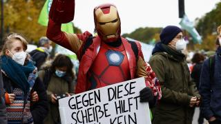 Almanya'da iklim değişikliğine dikkat çekmek için yürüdüler