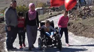 Bedensel engelli Elif artık sokağa kendi çıkabilecek