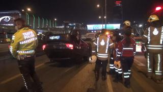 Beylikdüzü'nde takla atan aracın sürücüsü yaralandı