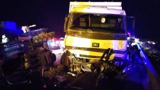 Kontrolden çıkan kamyon dehşet saçtı: 3 ölü, 3 yaralı