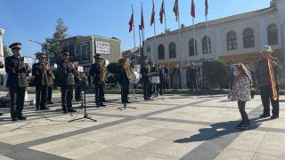 Küçük Asya askeri bando konserini yönetti