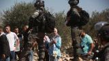 Sivil Yahudi işgalciler zeytin toplayan Filistinlilere saldırdı