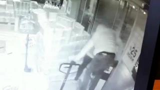 Market soyan hırsızlar kamerada