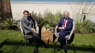 Biden ile Macron telefonda görüştü