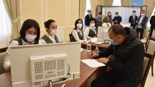 Özbekistan yeni cumhurbaşkanını seçiyor
