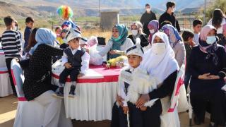 Siirt'te çocuklar sünnet şöleninde eğlendi
