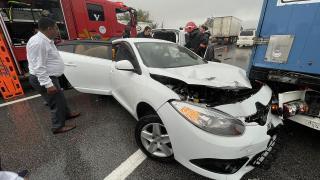 Anadolu Otoyolu'nda 27 araç birbirine girdi: 17 yaralı