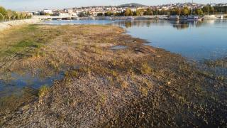 Suyu aşırı çekilen Beyşehir Gölü, kış yağışlarını bekliyor