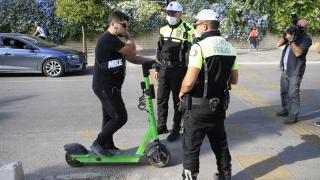 Antalya'da elektrikli scooter kullanımına ilişkin denetim gerçekleştirildi