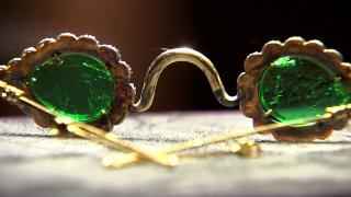 Londra'daki müzayedede elmas ve zümrüt camlı gözlükler sergilenecek