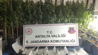 Antalya'da çeşitli Antalya'da çeşitli suçlardan aranan kardeşler, villada uyuşturucu imal ederken yakalandıaranan kardeşler, villada uyuşturucu imal ederken yakalandı