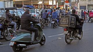 İran'da benzinliklerde uzun kuyruklar oluştu