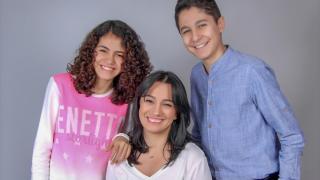 """Depremde ikizlerini kaybeden anne, """"İyilik İkizim"""" projesiyle yaşama dokunuyor"""