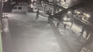 Tabanca buldu, indirildiği otobüse binerek yolcuyu vurdu
