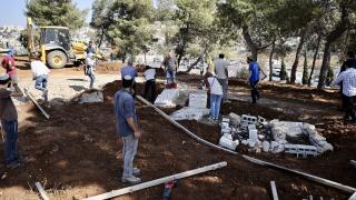 İsrail Kudüs'teki Müslüman mezarlığında park yapım çalışmasına başladı