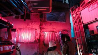 Şişli'de 2 katlı metruk binada yangın