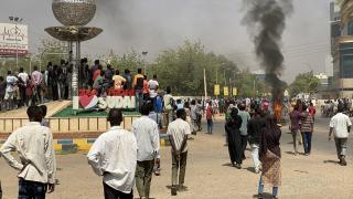 Sudan'da darbe girişimi sonrası halk sokağa indi