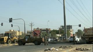 Sudan'da ana caddelerdeki barikatlar kaldırılıyor