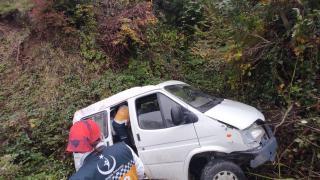 Samsun'da devrilen minibüsün sürücüsü öldü