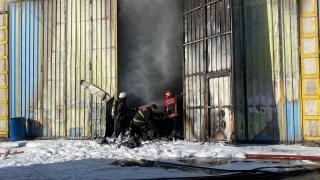 Sakarya'da tekstil atölyesi yangında hasar gördü