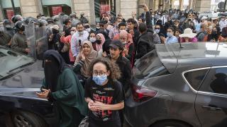 Fas'ta aşı kartı zorunluluğuna karşı protesto