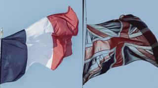 İngiltere Fransa'nın Londra Büyükelçisini bakanlığa çağırdı