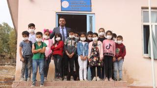 Sınır köyündeki öğrencileri için seferber oldu: Küresel Öğretmen Ödülü'ne aday gösterildi