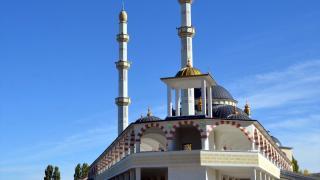 Muş'ta Osmanlı ve Selçuklu mimarisiyle cami inşa edildi