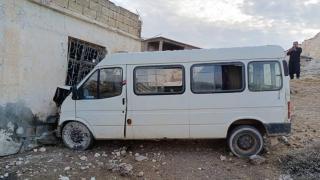 Tarım işçilerini taşıyan minibüs duvara çarptı: 15 yaralı