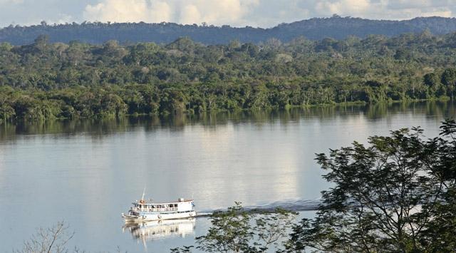 Amazonda gemi battı: 12 ölü
