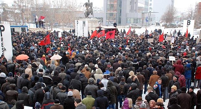 """Balkanlarda """"anıt"""" krizi"""