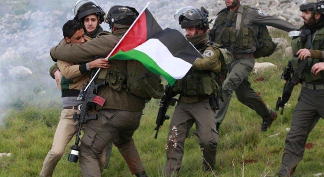 İsrail 26 Filistinliyi serbest bırakıyor