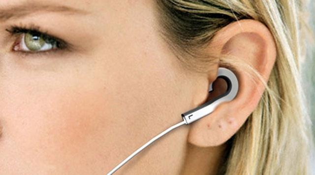 Kulaklıkla müzik dinlerken dikkat!