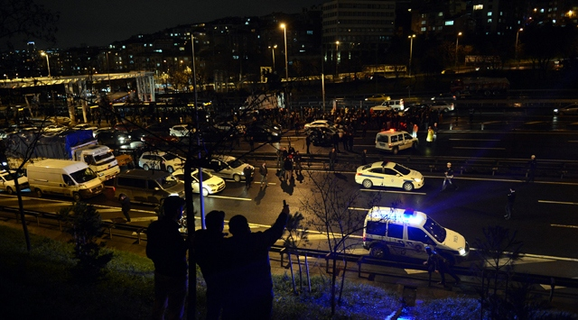 İstanbulda şüpheli paket alarmı