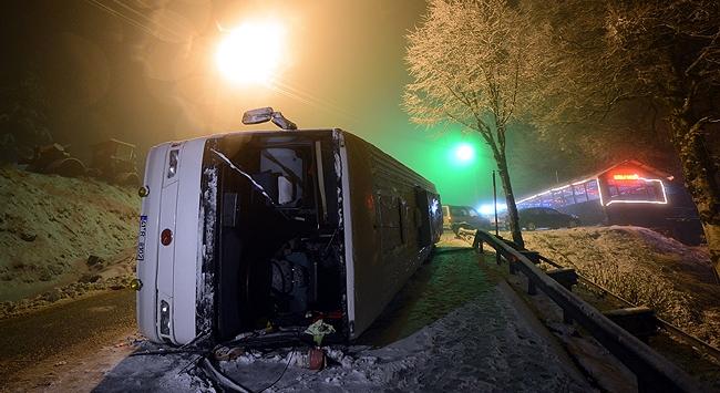 Kocaelide otobüs devrildi
