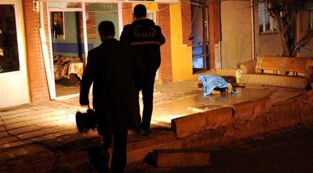 Eskişehirde bıçaklı saldırı: 1 ölü, 1 yaralı