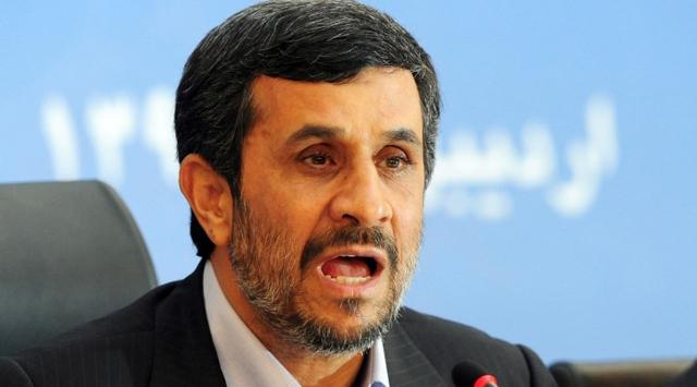 Ahmedinejad uzay çalışmalarını inceledi