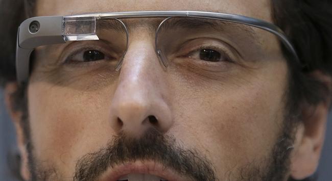 Gözlük, bilgisayara dönüşüyor